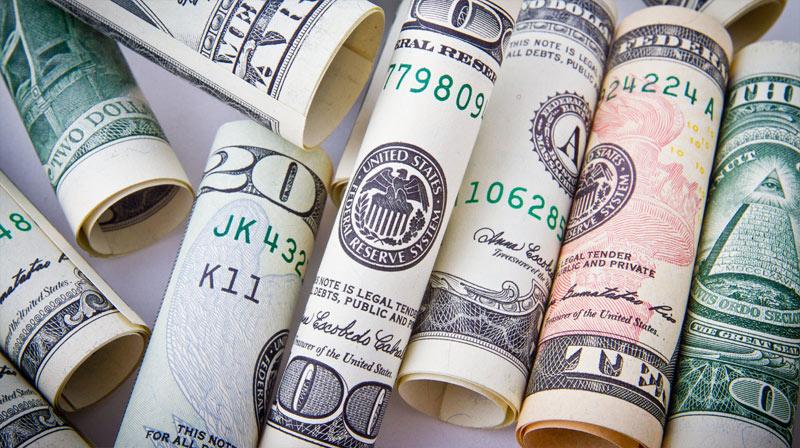 US-dollars-notes