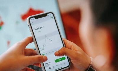 Price-analysis-on-smartphone